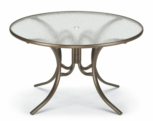 Lovely Telescope Gardenella Sling Patio Set Includes 4 Gardenella Chairs With A 42  Inch Round Glass Dining Table