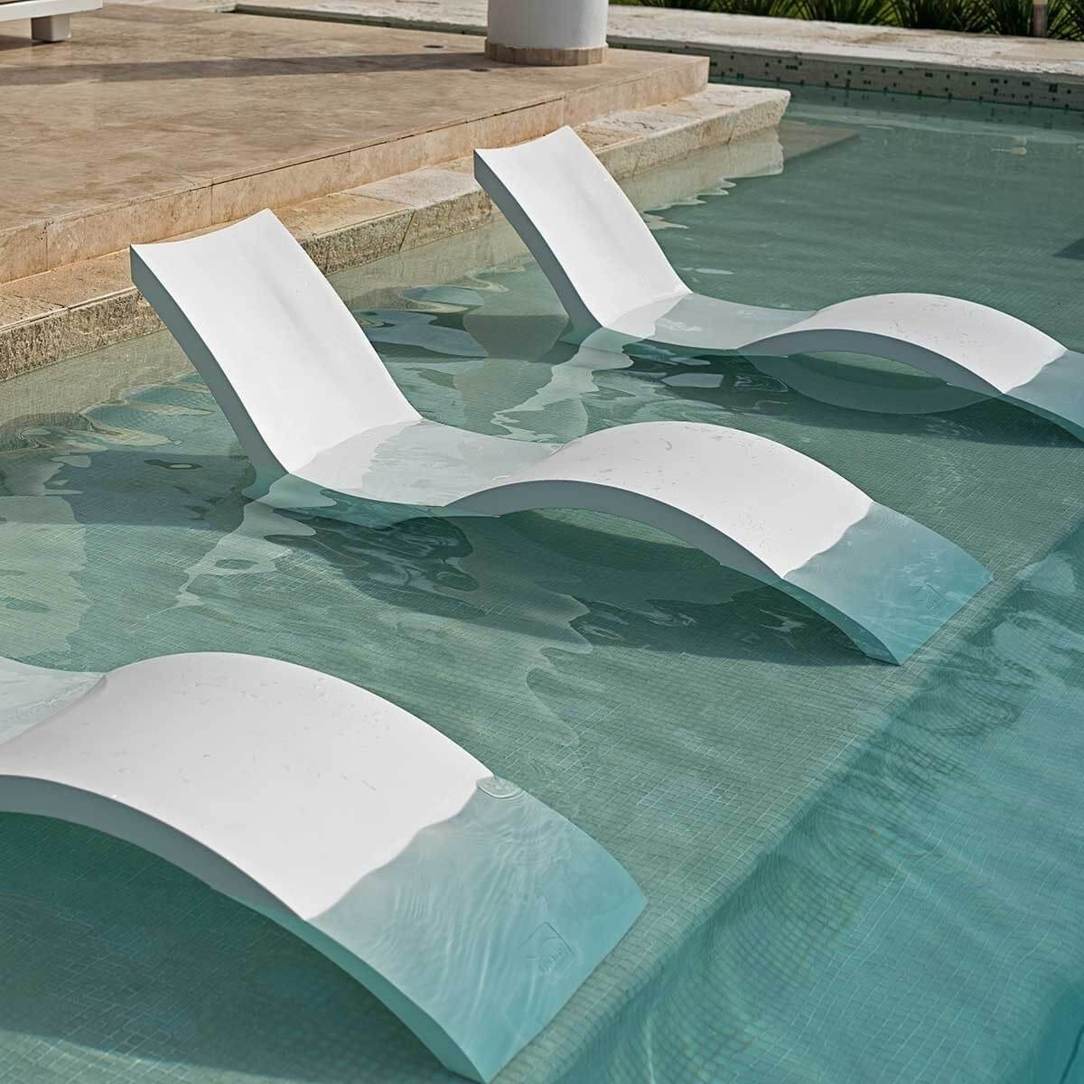 Ledge Lounger Signature In Pool Deep Chaise Lounge